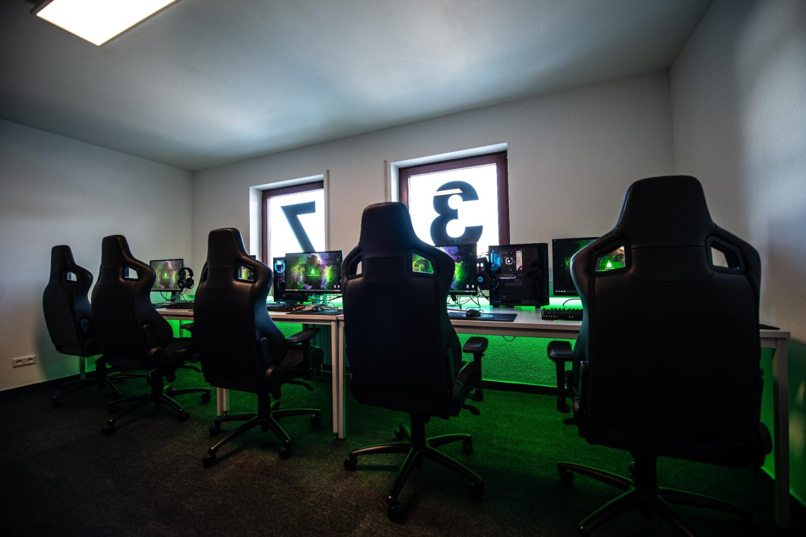 Teams, Clans and Organisations A location to meet, game, work & party. 24 and more ready to go gaming setups are waiting for you. We have consoles, a billard table and much more. Every event here will be an unforgettable by ELLA DON